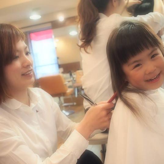 HairroomDOOR_kidscut2.jpg