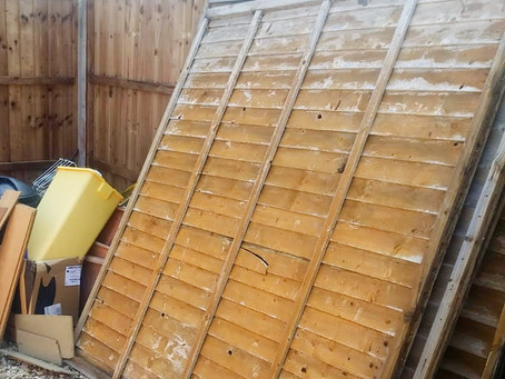 How to Dispose of Fence Panels the Easy Way?