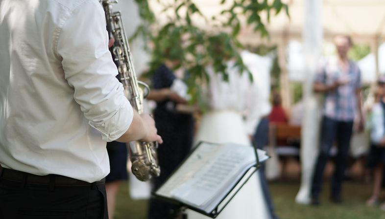 Hochzeits Saxophonist.JPG