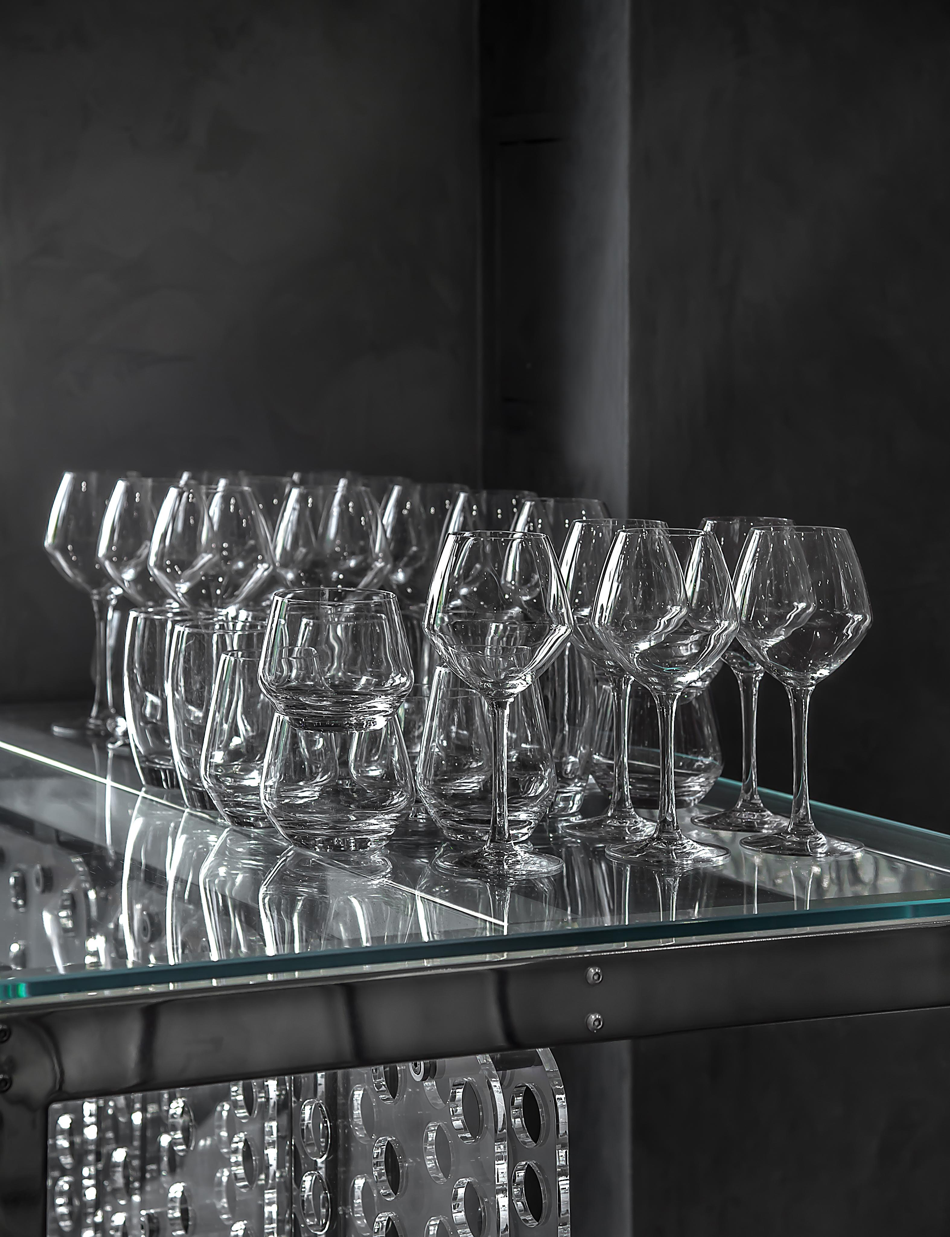Verres à vin et verres à eau