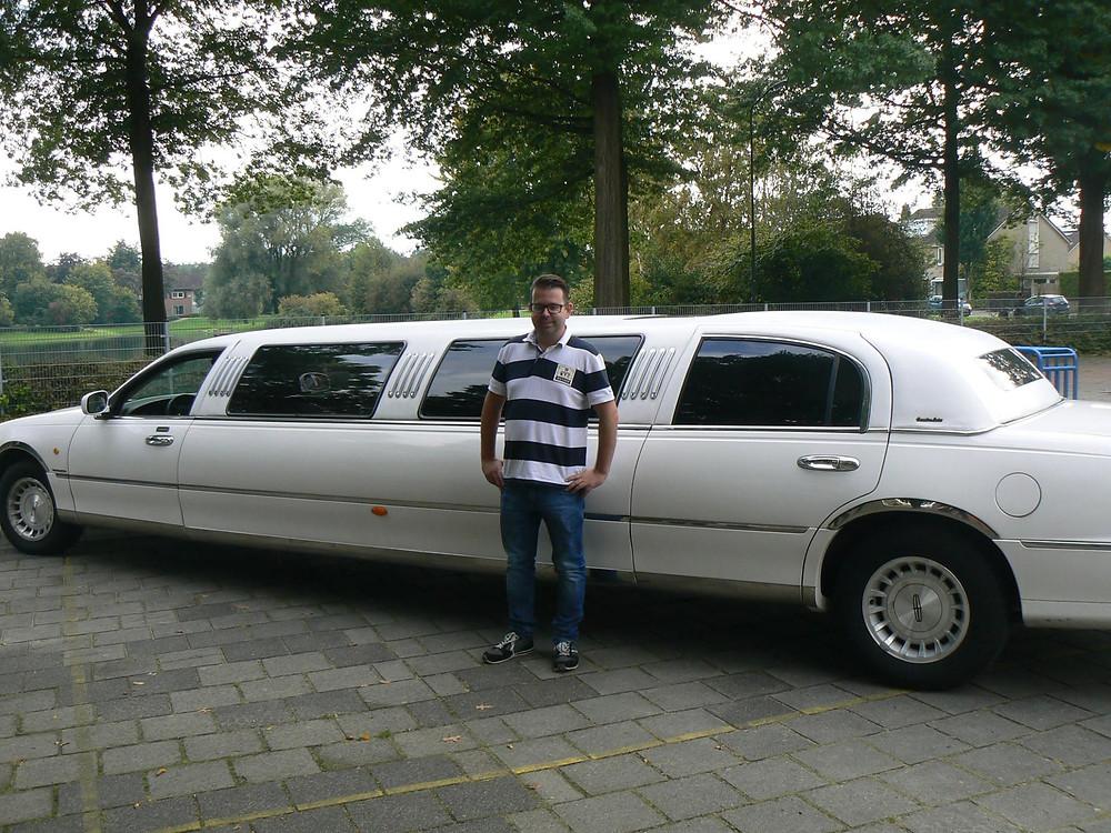 Wat waren de BSO kinderen verrast toen ze vorige week op school opgehaald werden door een limousine. Geweldig om al die blije gezichtjes te zien. Deze middag is mede mogelijk gemaakt door hotel De Kruishoeve in Vught.