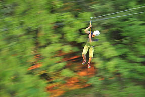 Flying Fox, Zipline, geschwindigkeit, speed, mobiler Seilgarten, temporärer Seilgarten, mobile Seilarbeit, Spaß, Bewegung, Freiheit, Wald, Seil, MobilerSeilgarten, Oberoesterreich, Baum, Lebensfreude, Urlaub, Spaß,