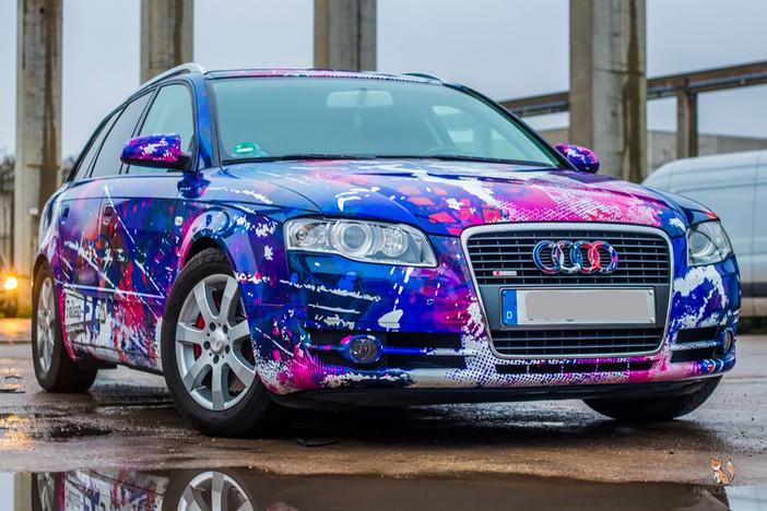 Audi A4 Avant im bunten Digitaldruck
