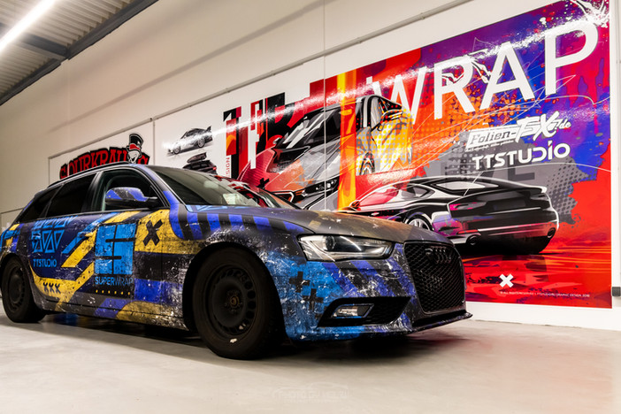 Audi A4 Avant im Dirty Superwrap Design