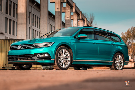 VW Passat R-Line in 3M Atomic Teal