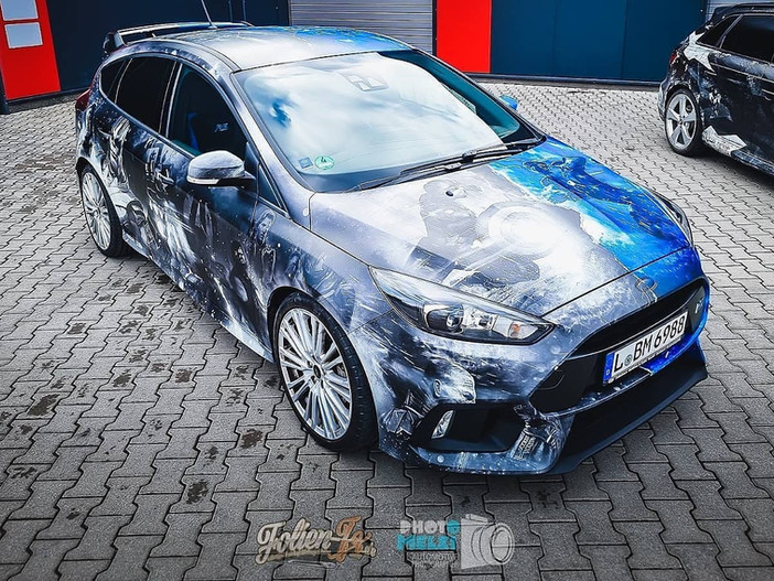 Ford Focus RS im Avengers Look