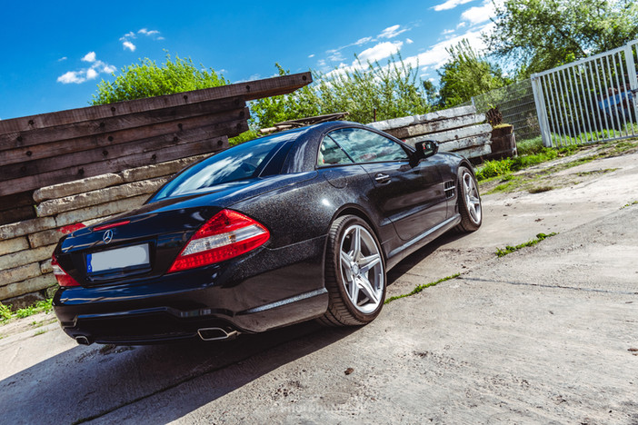 Mercedes SL500 in Sparkle Black Gloss
