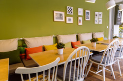 TO BAZAKI juice bar interior, the ve