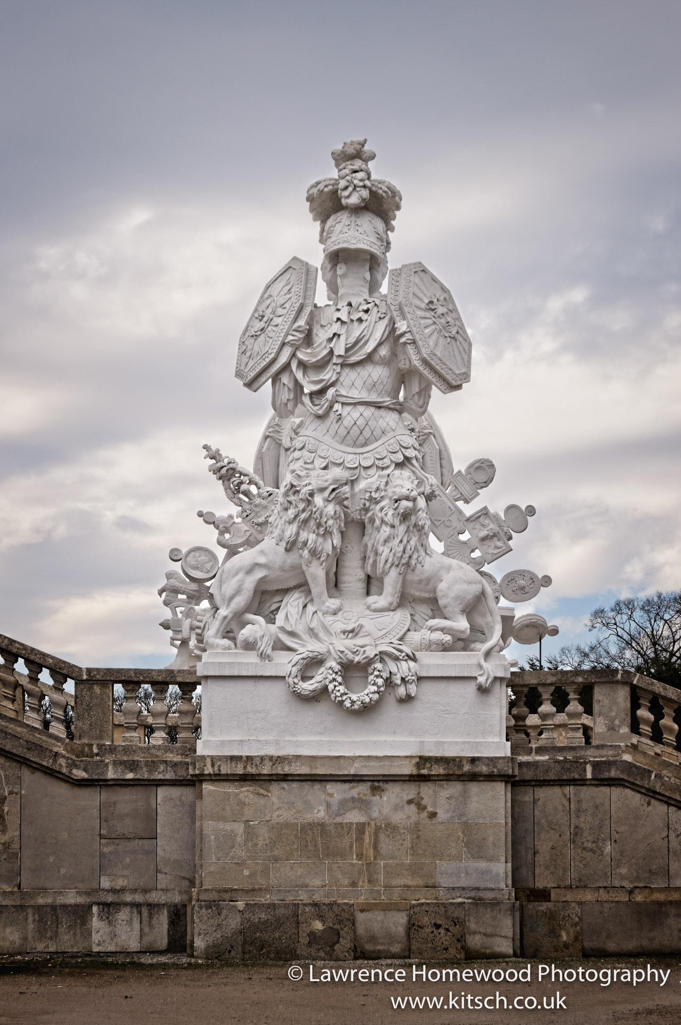Schonbrunn Gardens Gloriette Statue