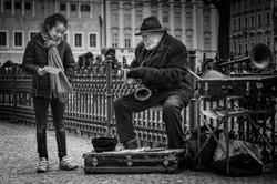 Jazzman and little girl - dec 2018 - v2-