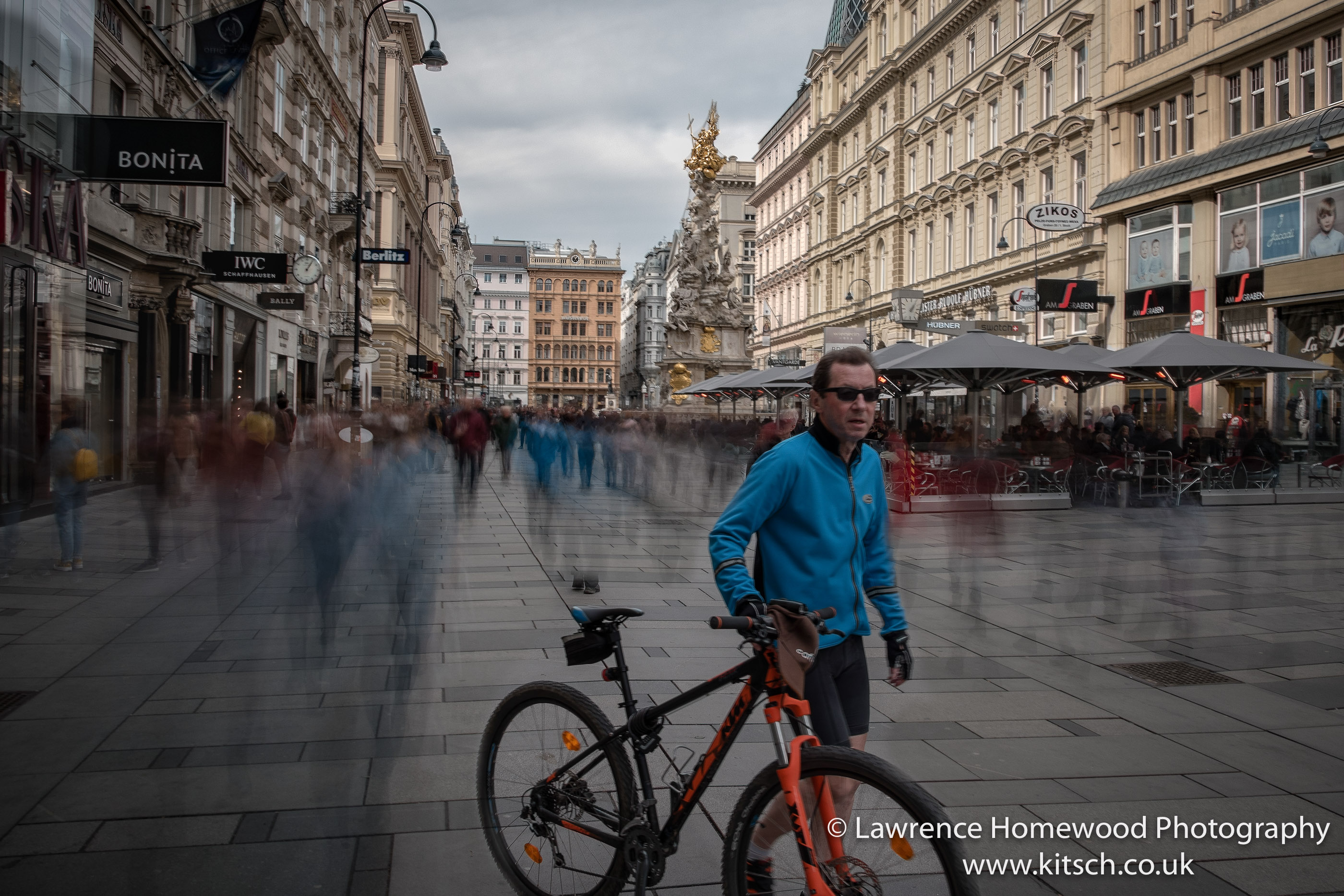 Blurred Motion Vienna Highstreet