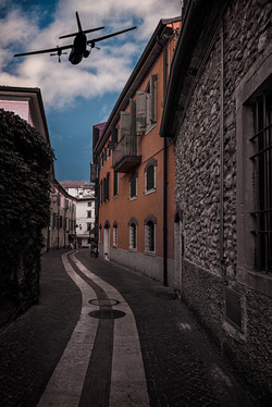 Flying-the-Streets-of-Lazise
