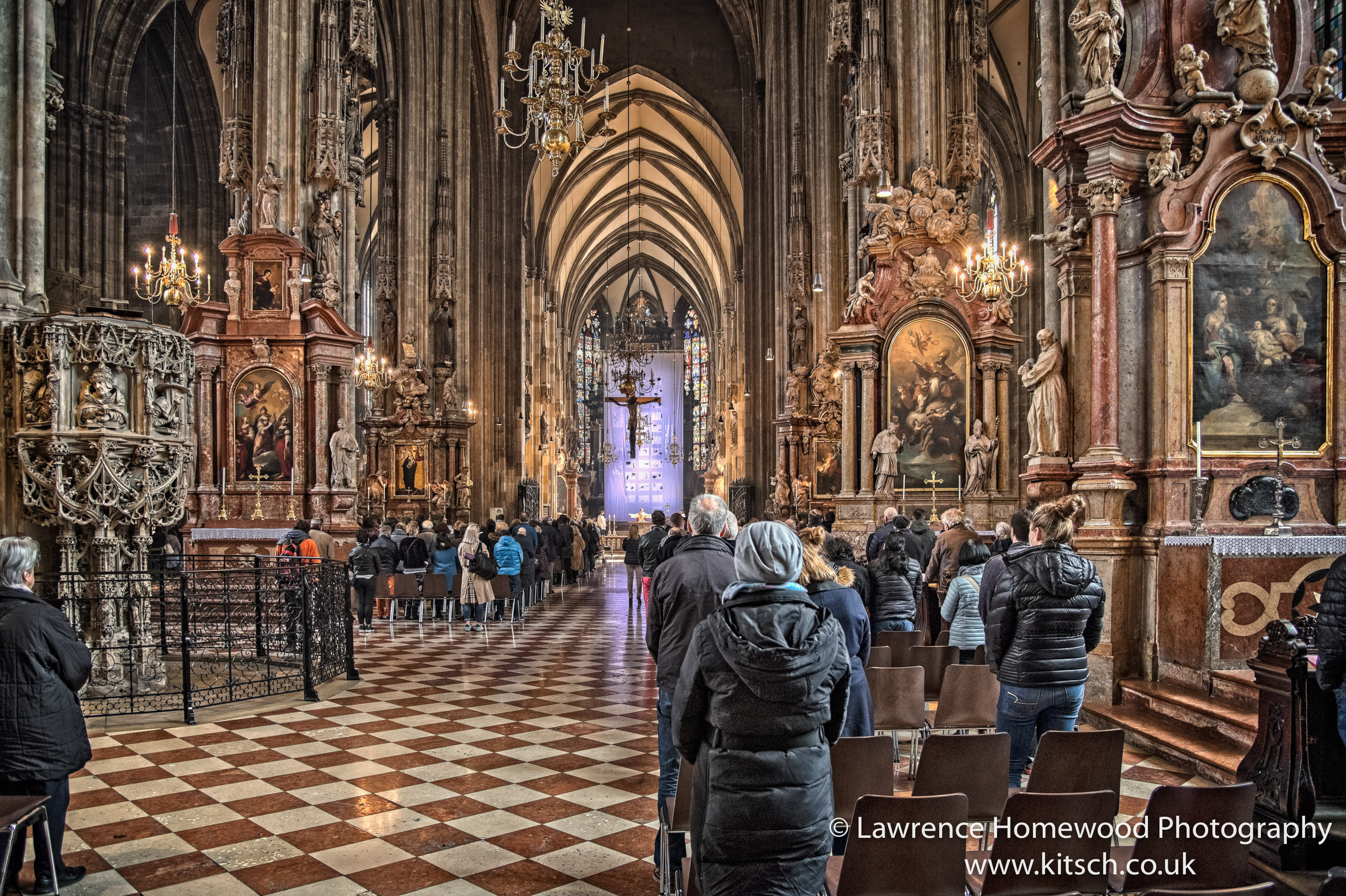 Stephansdom in Service 2