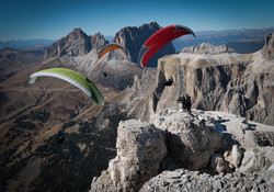 Trio-of-Gliders-The-Dolomites