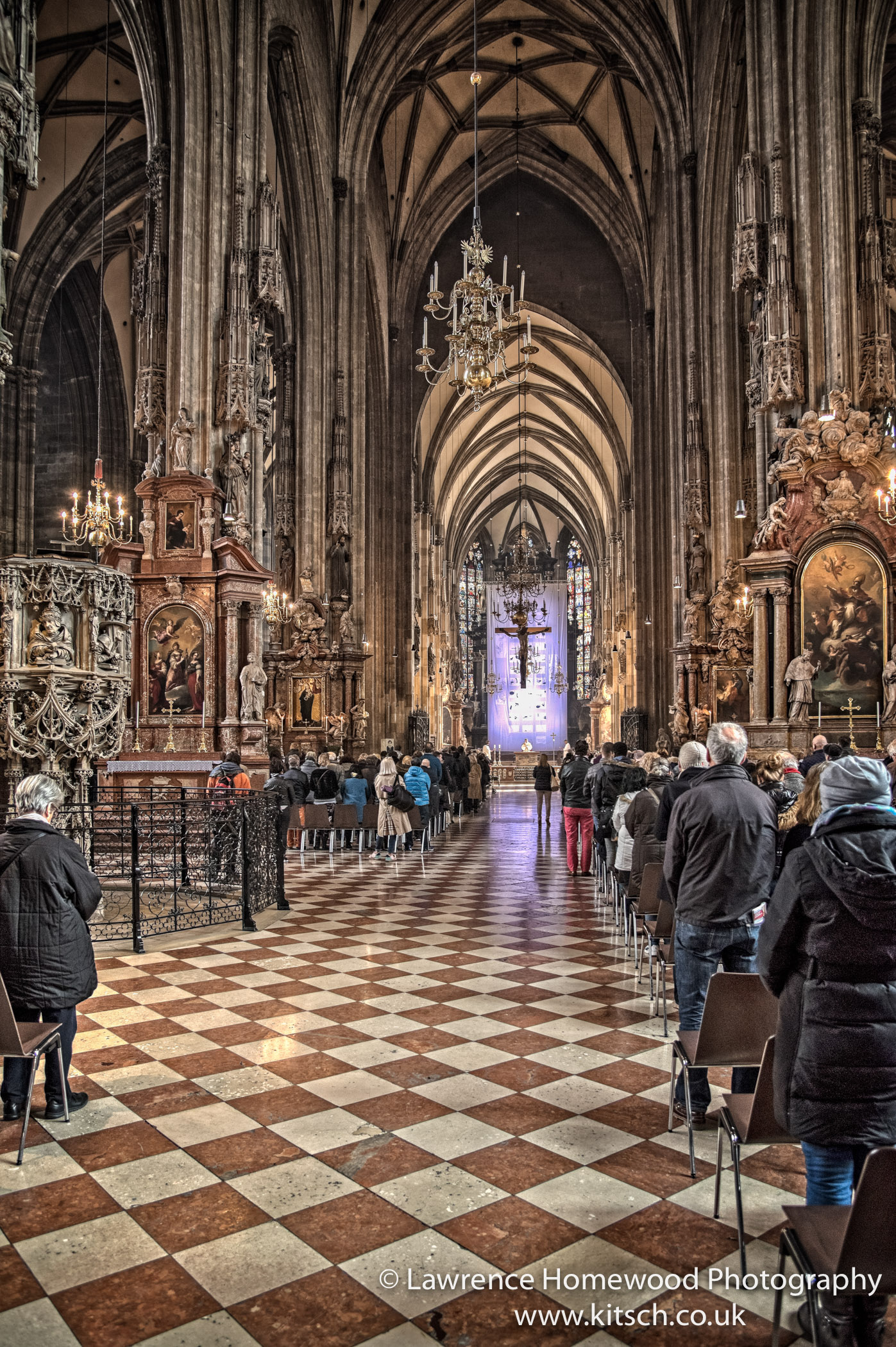 Stephansdom in Service 3