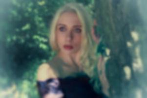 Dreamy Anna beyond the Trees-700.jpg