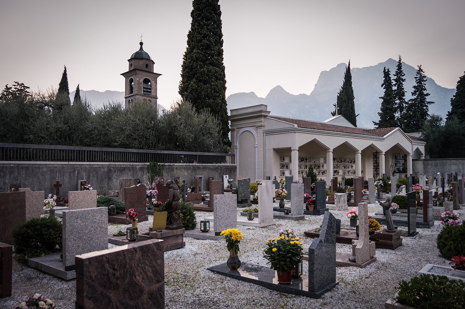 Torbole-Church-Graveyard
