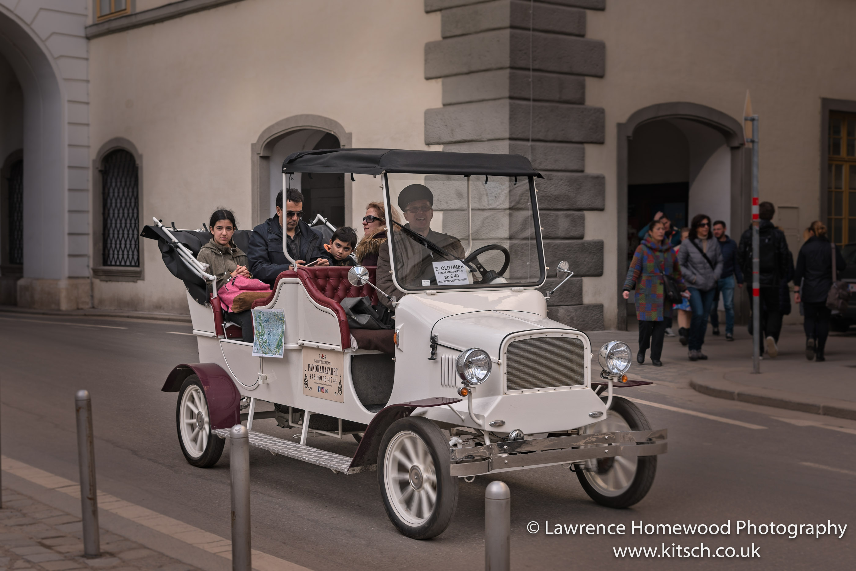 Vienna vintage car rides