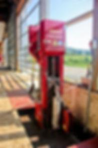 Manure, pit, gutter, gravity gutter, alley scraper, storage, dried manure, equipment