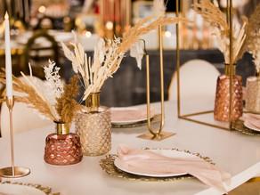 Kovová dekorace na Vaší svatbě aneb držte krok s trendy 2021!