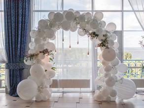 Balónky na svatbě? Další ze zahraničních trendů 2021!