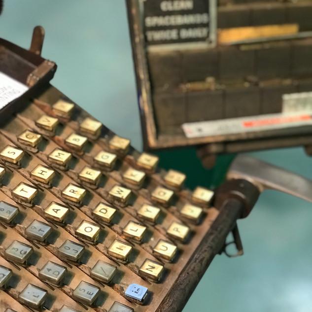 Linotype_keyboard_Theo-Pettaras.jpeg