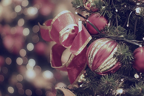 Red%2520Christmas%2520Baubles%2520_edite