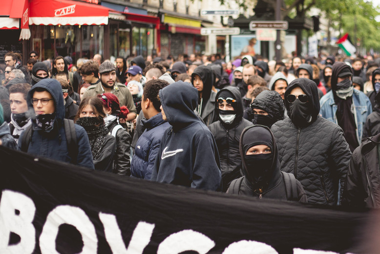 Black Blocs during a demonstration against French Elections. Paris, May 8th, 2017