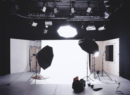Softbox, Stripbox, Snoot y reflectores: ¿Cuáles son las diferencias y cuando utilizarlos?