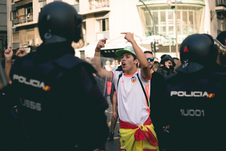A guy is demonstrating against the Catalunyan Indipendence, Valencia, October 9th 2017