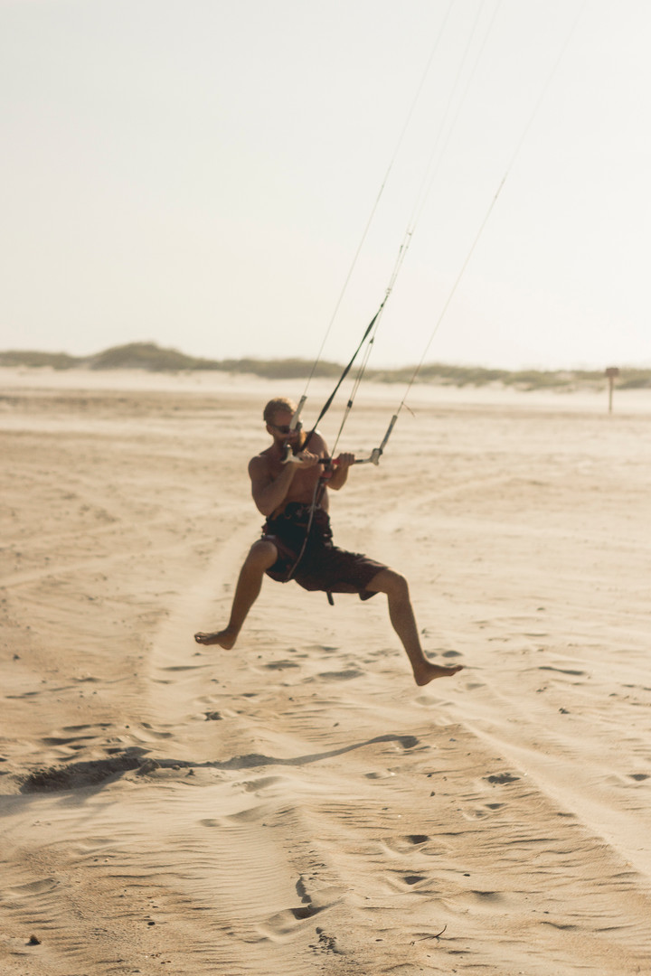 Kite surf in Ocracoke Island, North Carolina, August 2013