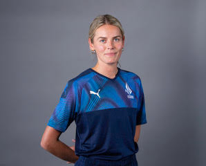Yorkshire & Northern Diamonds Star Phoebe Graham Signs to Boost Girls' Cricket at HCC