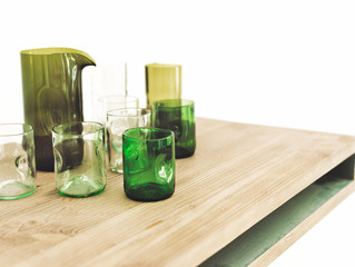 High-Quality Upcycling: Beautiful Glassware from Discarded Wine Bottles
