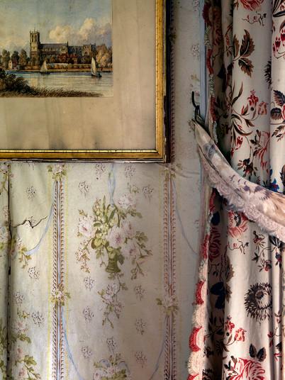 Bedroom Curtain Wallpaper & Print Detail