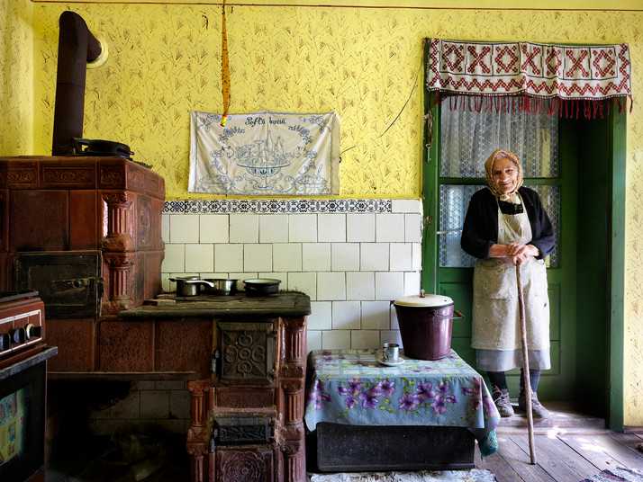 Maria's Yellow Kitchen in Shariz