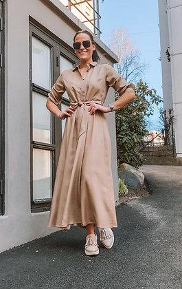 Lilly Linn midi kjole Sand