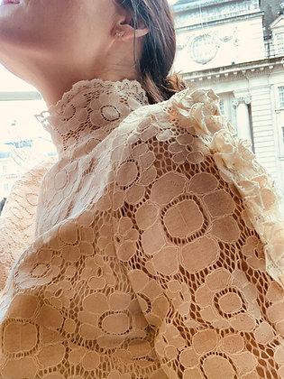 Lotte bluse lys beige
