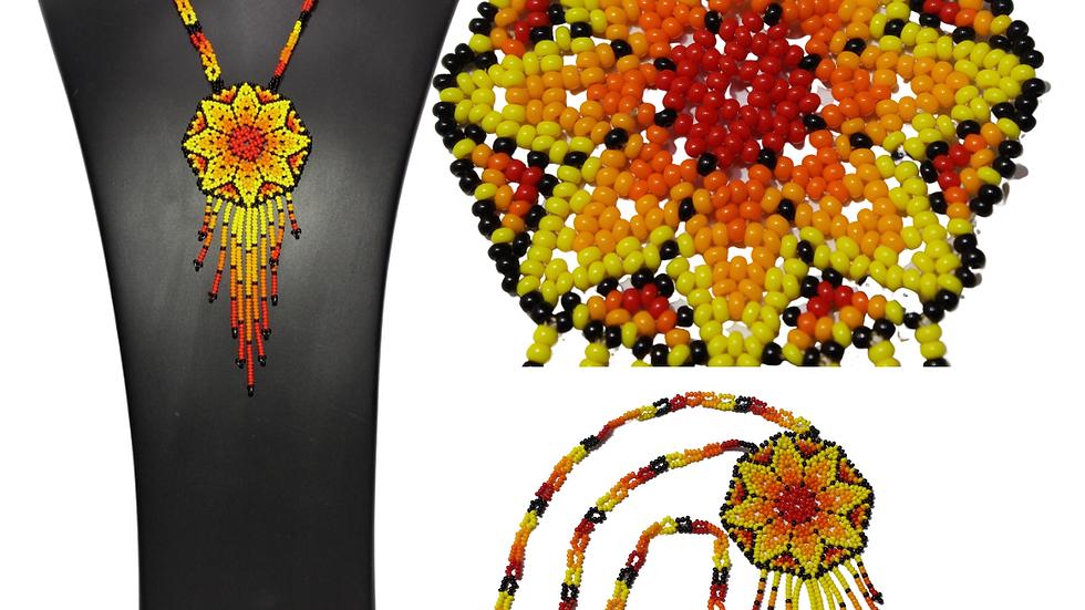 Collar de flor de 8 pétalos sin broche