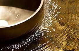 des bienfaits autant physiques que mentaux effet-du-son-massage-sonore Bols Tibétains Hypnose énergétique 78 Valérie ALEGRE Juste Bien-peter-he
