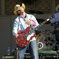 Wyatts Cure Tour 2006 06.jpg