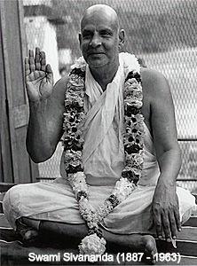 Swami%20Sivananda_edited.jpg