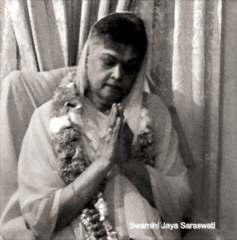 Swamini%20Jaya%20Saraswati_edited.jpg
