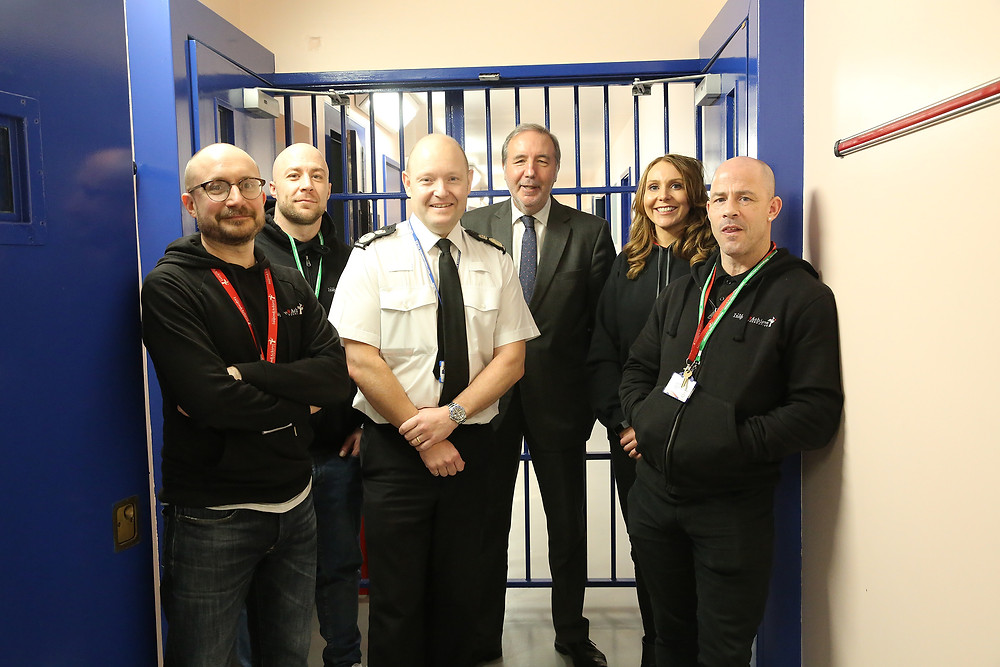 Nottinghamshire Chief Constable Craig Guildford and Paddy Tipping with members of the U-Turn teamNottinghamshire Chief Constable Craig Guildford and Paddy Tipping with members of the U-Turn team