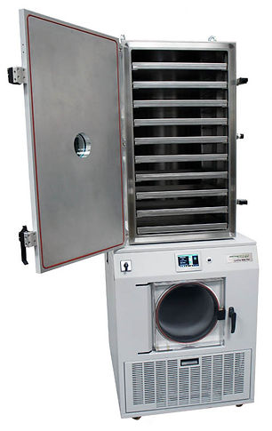Lab pilot scale freeze dryer with large chamber
