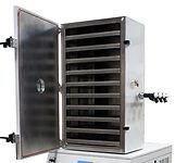 Bulk freeze dryer chamber