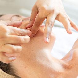MassageJaponaisVisage.jpg