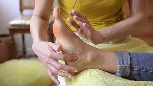 MassageMétamorphiquePiedsBis.jpg