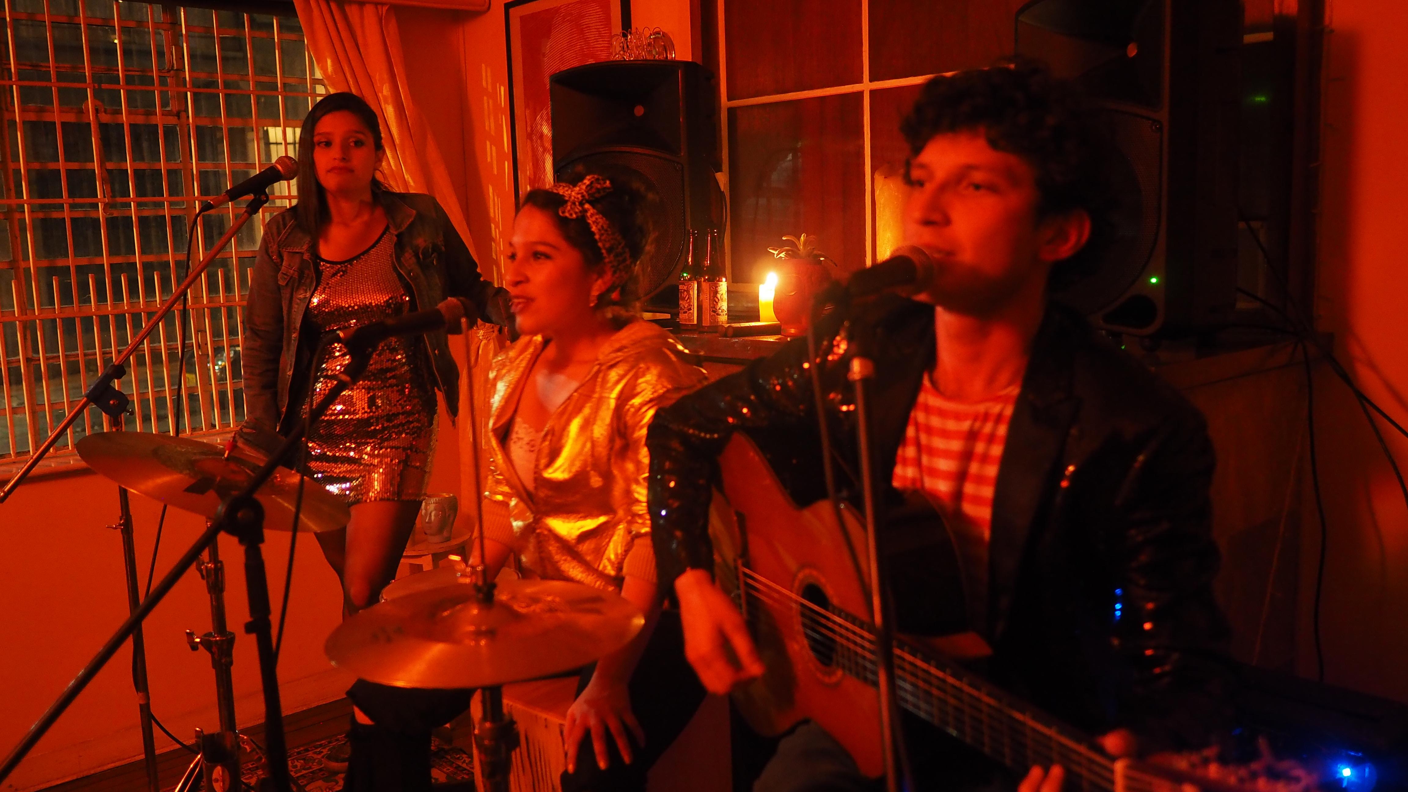 Corrientes-Canciones en Movimiento