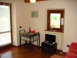 Villa Miramonti-Rondine dining area
