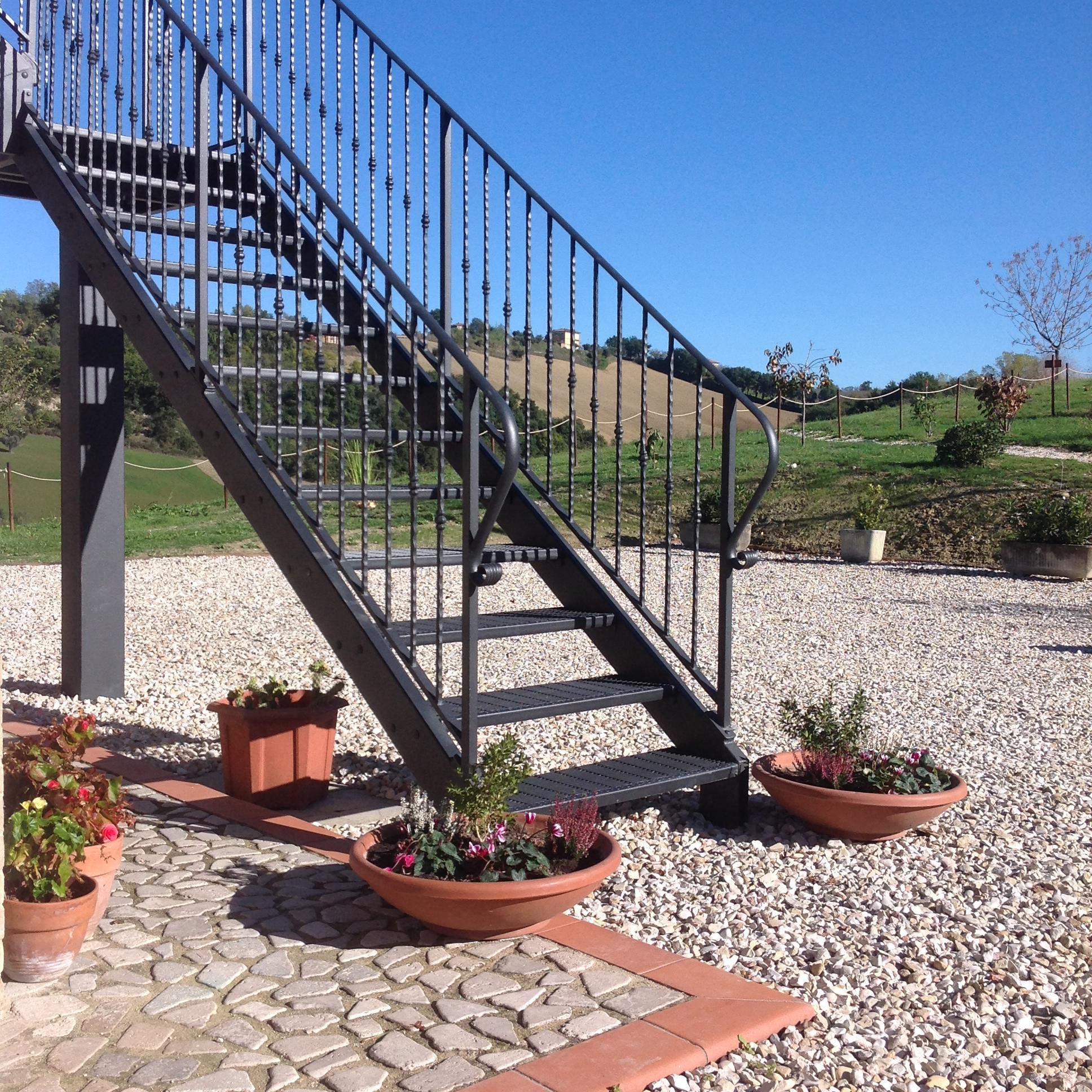 Villa Miramonti - Rondine staircase